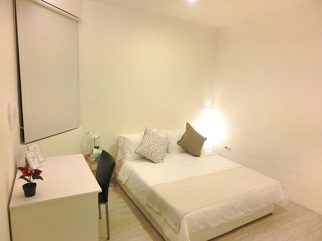 Downtown Clean & Spacious 1 bedroom apartment