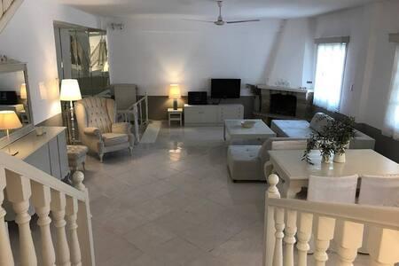 роскошный дом 140 m2 - Nea Moudania - Haus