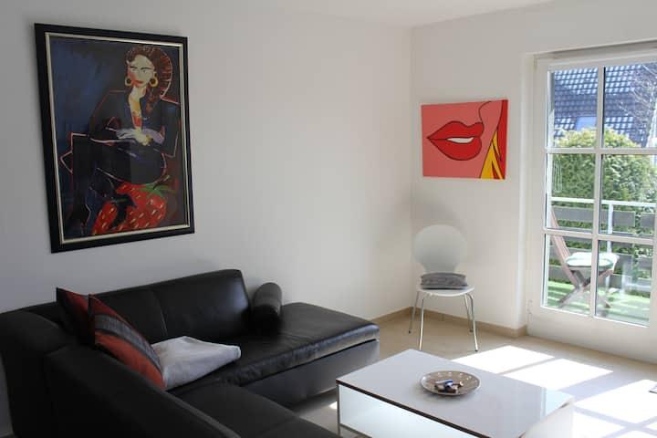 Große ruhige Wohnung 20 km von Köln (bis 14 Pers.)