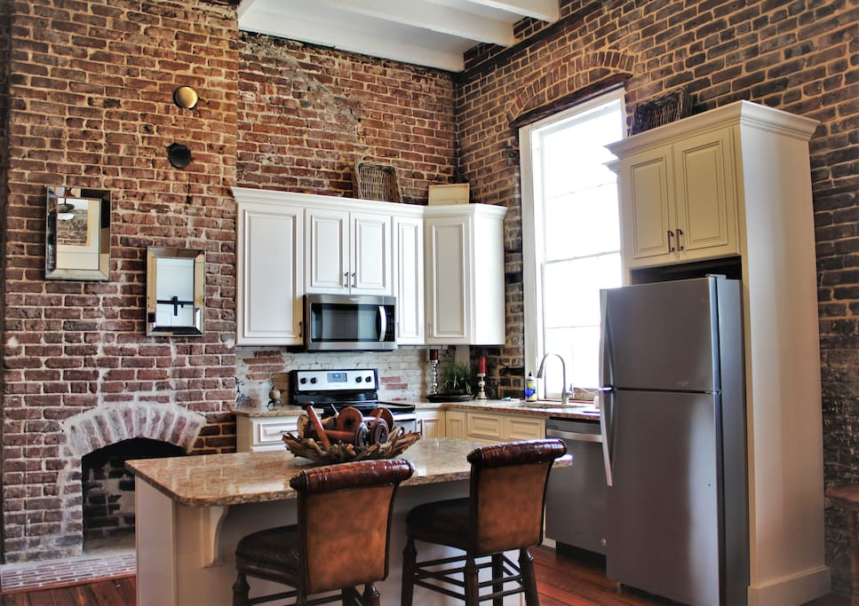 Fully stocked kitchen with all the amenities, including stainless appliances!