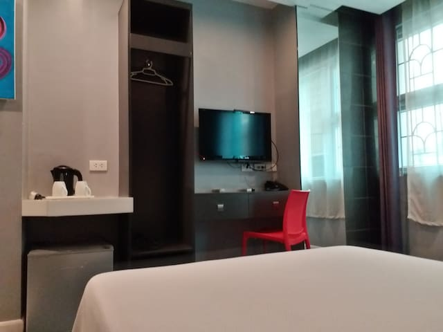 Leez Inn Malate-Hot Deal RO  Superior Room