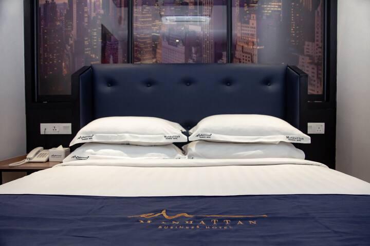 Deluxe Queen N/Windows Business Hotel @TTDI  #MT03