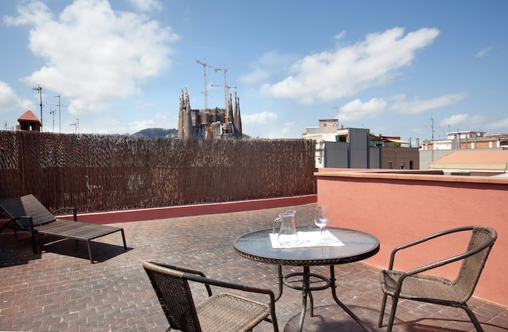 Beautiful private terrace in Studio near Sagrada