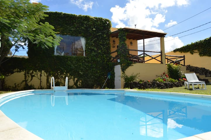 "Villa ""La Alpispa"" with private pool in Las Palmas - Las palmas de gran canaria - Alpstuga"