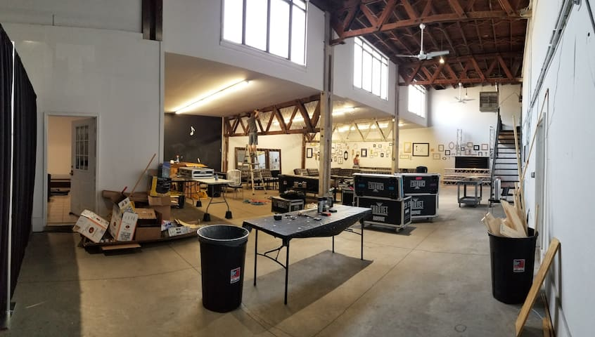 Huge Creative Warehouse Studio Space