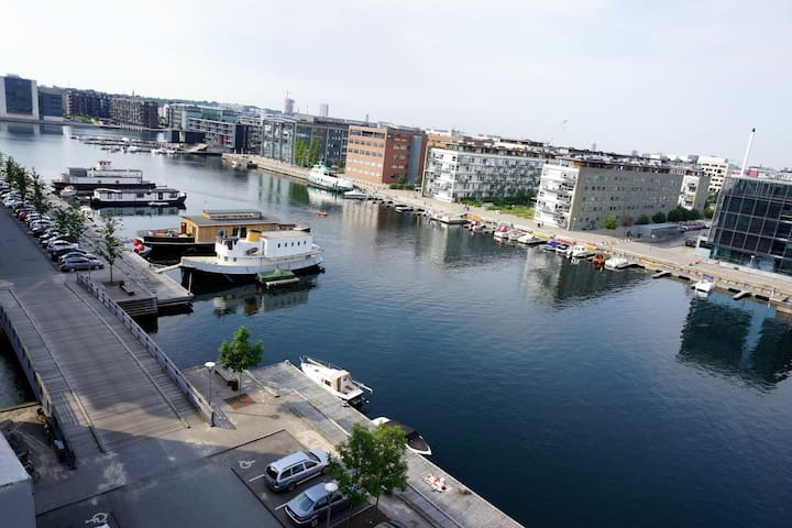 Spacious apartment with water view - København - Apartment