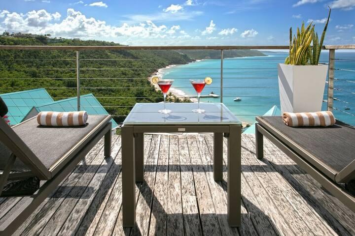 """CéBlue by """"Refined Retreats""""~1 Bdr Luxury Villa~Amazing Ocean Views & pool!"""