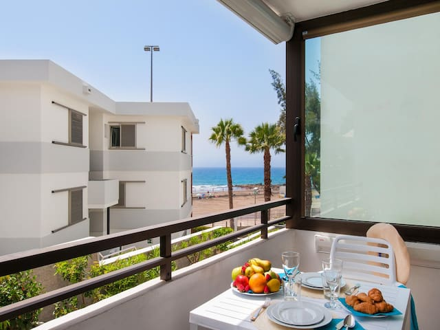 Beachfront apartment Siesta 21 San Agustin Playa