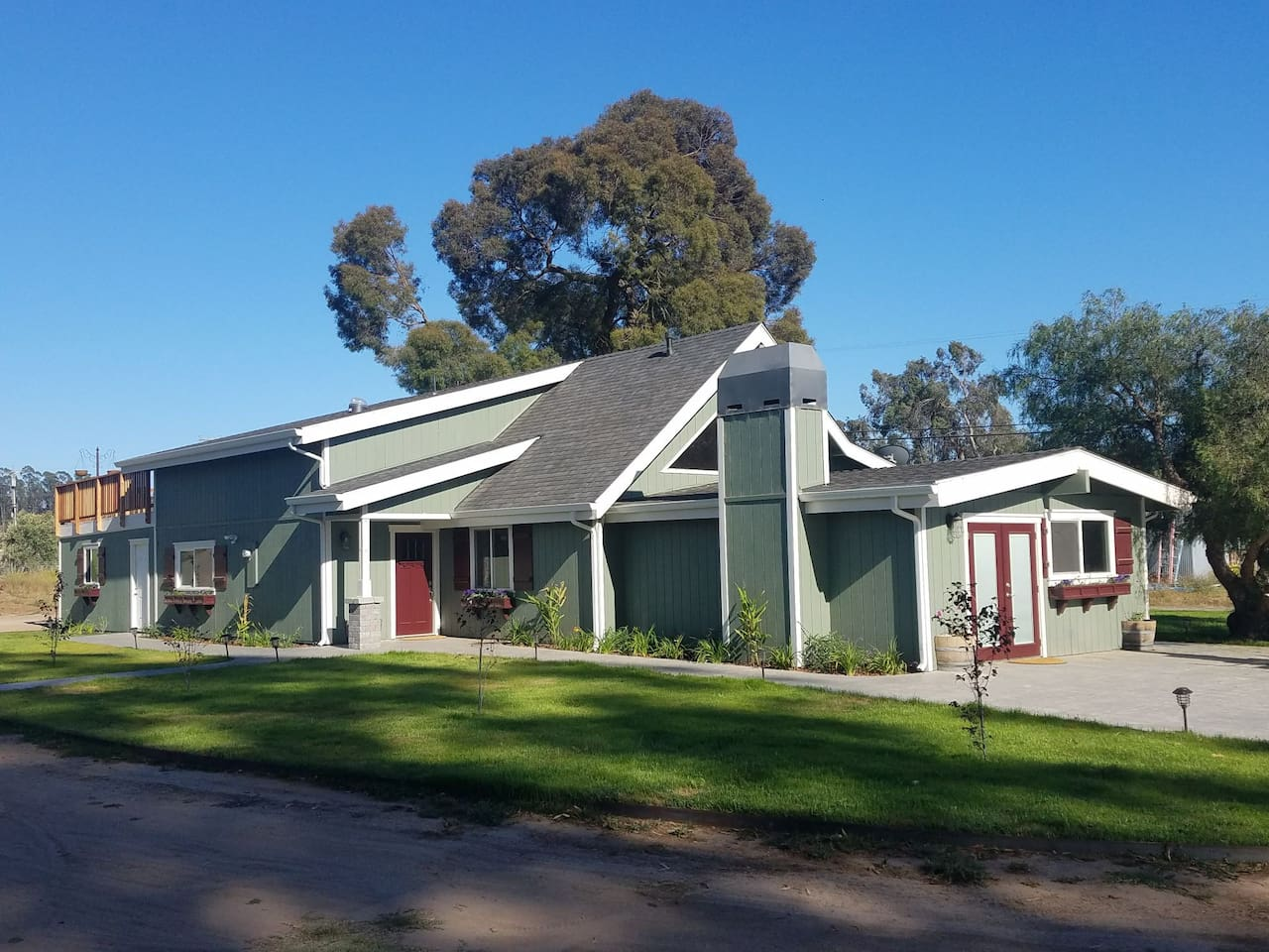 The perfect place to gather friends and family for a wonderful Central Coast California vacation
