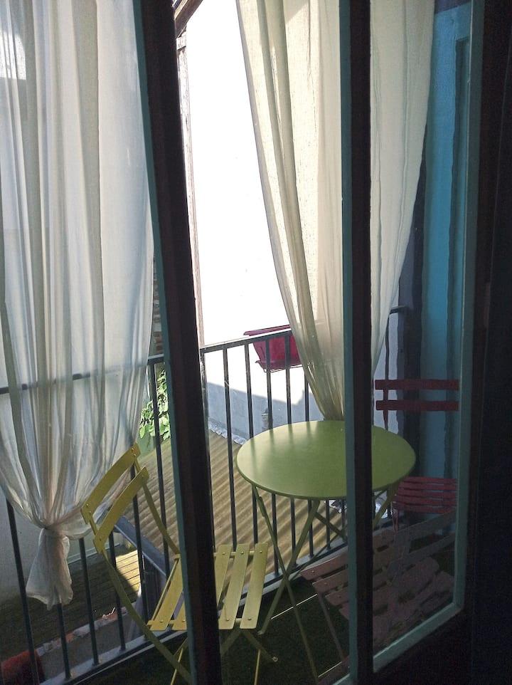 """Appartement """"Caraïbes"""" avec balcon au coeur d'Agen"""