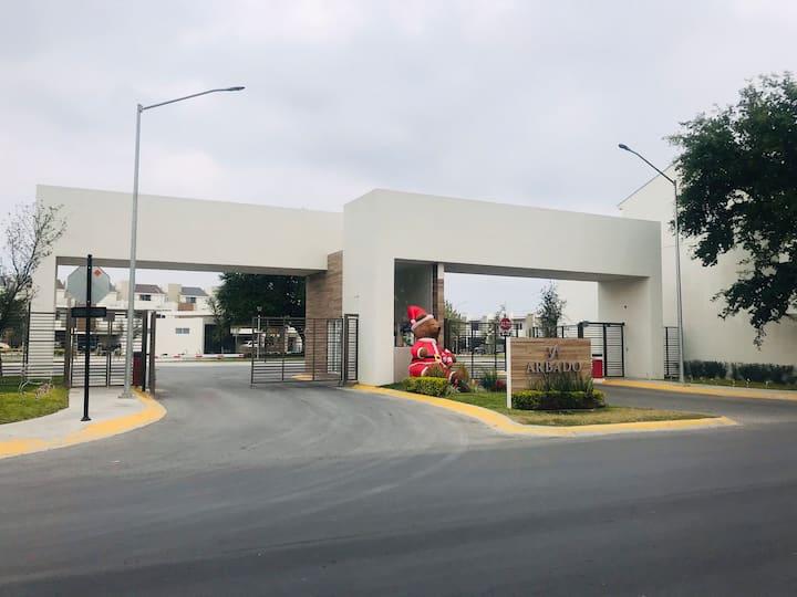 Casa Privada cerca Plazas Comerciales y Aeropuerto