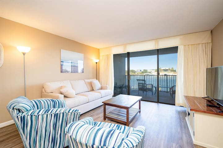Peaceful Old River views at Wind Drift 112N!