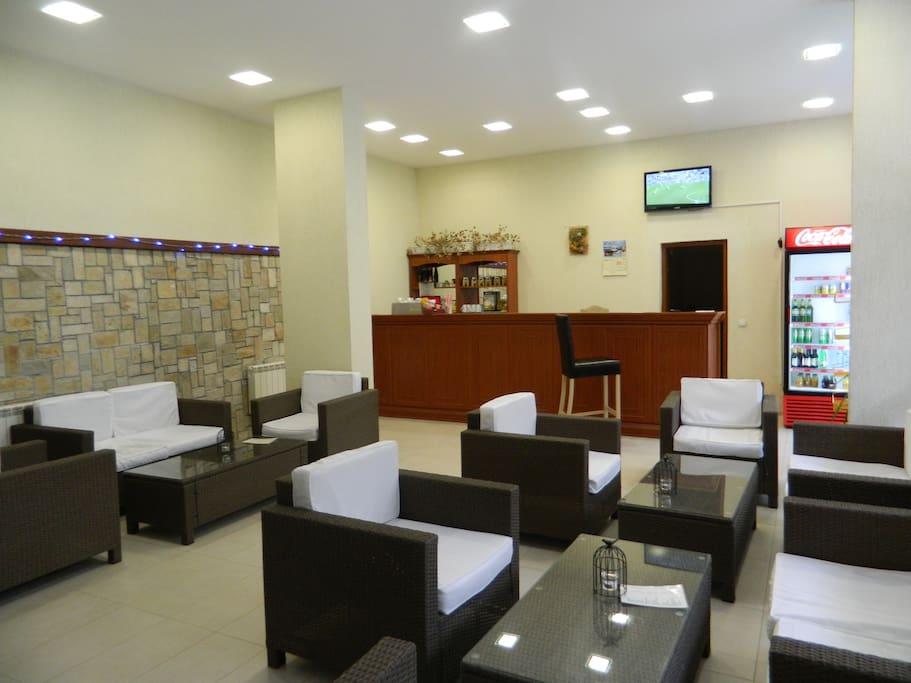 Pool Cafe & Bar