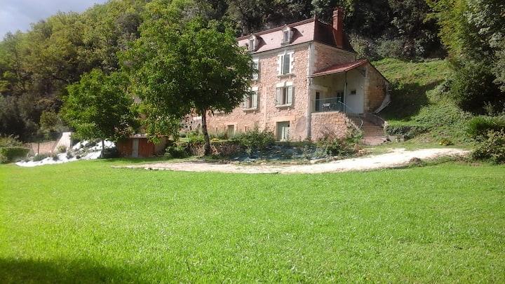 Grande maison de campagne avec piscine chauffée