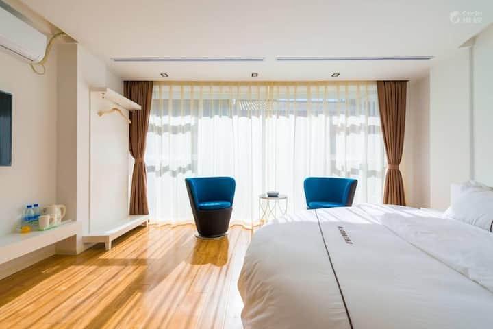 丹麦浪漫风格在丽江,空调如春,免古维,水车相邻,浪漫圆床房,可住2人
