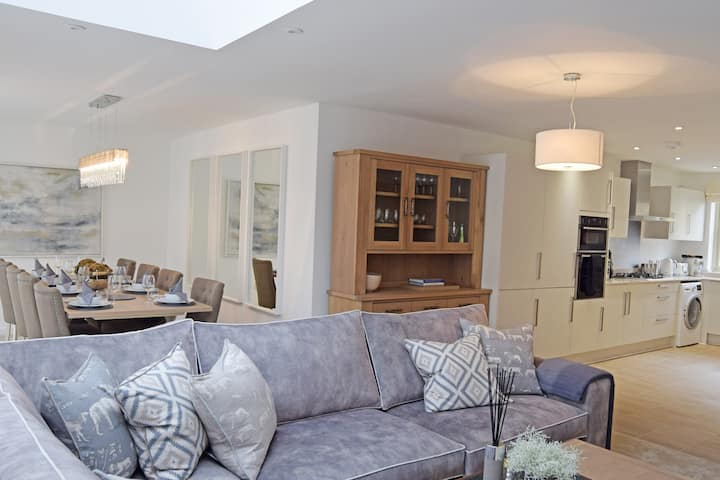Hawthorn Cottage, Northleach, Cotswolds