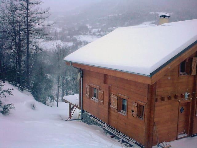 hébergement dans châlet à 10 min du ski - Colmars - Chalé