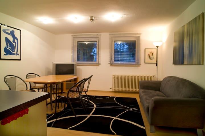 Helle, zentrumsnahe, möblierte Wohnung mit Wlan