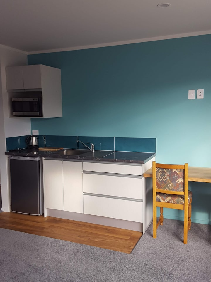 Taupo Pearl sparkling new self contained studio.