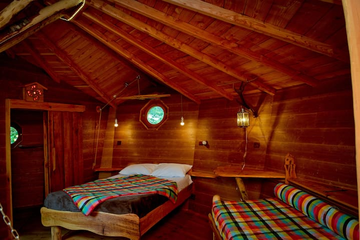 Cabane Andreinia perchée à 5m de haut