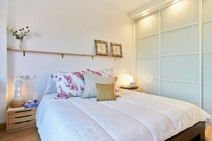 Cosy Apartment  near Barcelona (Terrassa) - Terrassa - Apartmen
