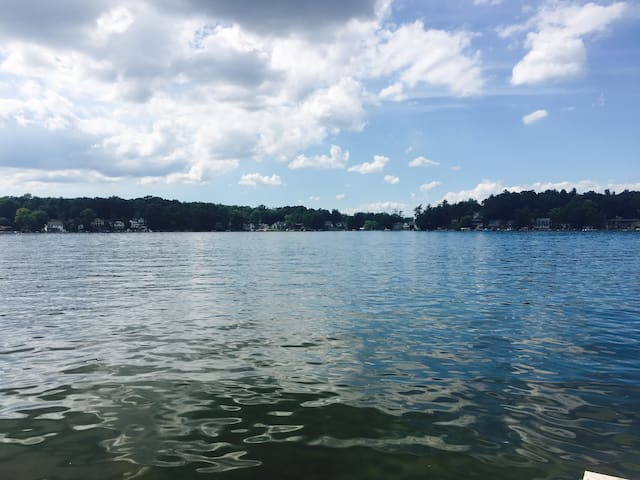 Cozy, remodeled Lakefront Cottage-Big Brower Lake