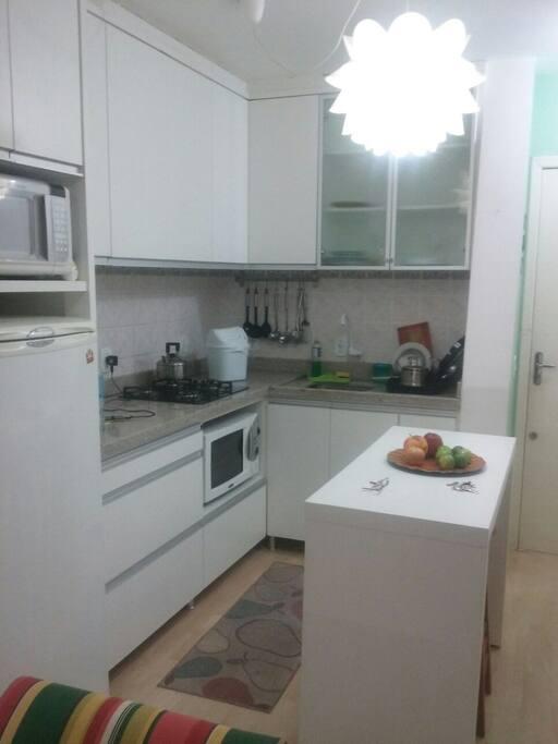 Cozinha completa. Eletrodomésticos.