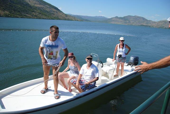 Skadar lake tours - Gradska opština Golubovci - Barco