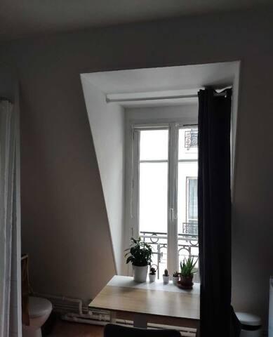 Chambre tout confort Champs-Elysées - Ternes