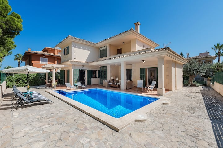 Casa Martina -  Only 50M to the Beach