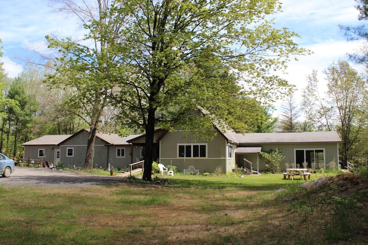Twin Creeks Apartment in the Woods