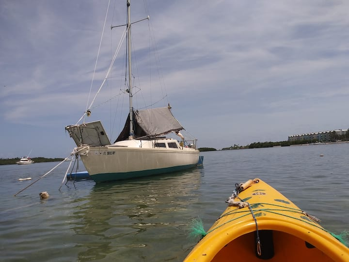Cozy 22 Foot Eco Sailboat w/Kayak (s) - Key West