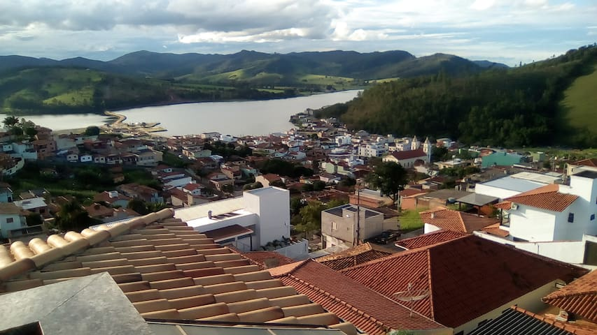 casa de aluguel com vista panoramica - Capitólio - Huis