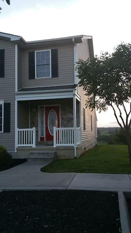 Nice Place in a Bucolic Setting near Lexington, VA - Lexington - Townhouse