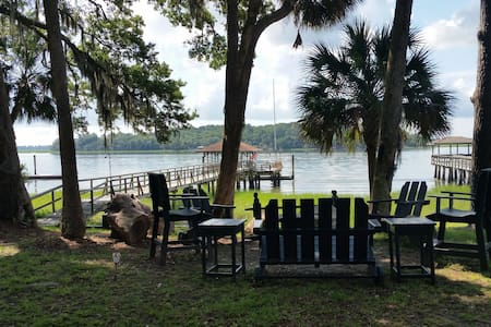 Waterfront Cottage on the May River - Bluffton - Hus