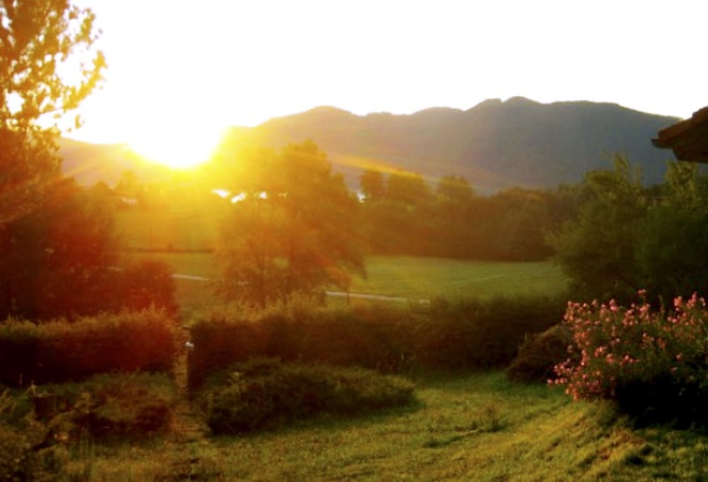 Sonnenaufgang am Haus
