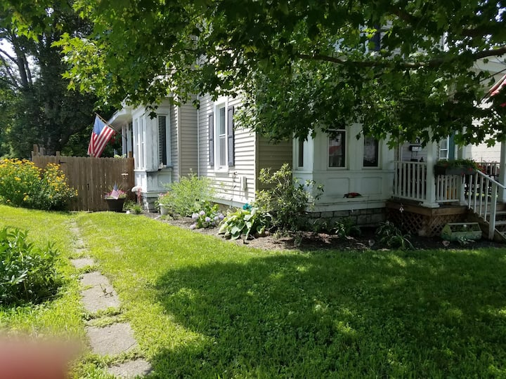 Charming Victorian near Cooperstown & Albany