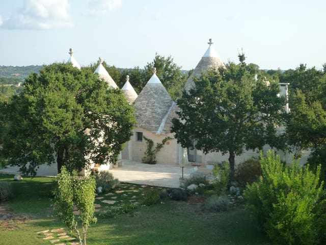 Trulli nel verde with pool