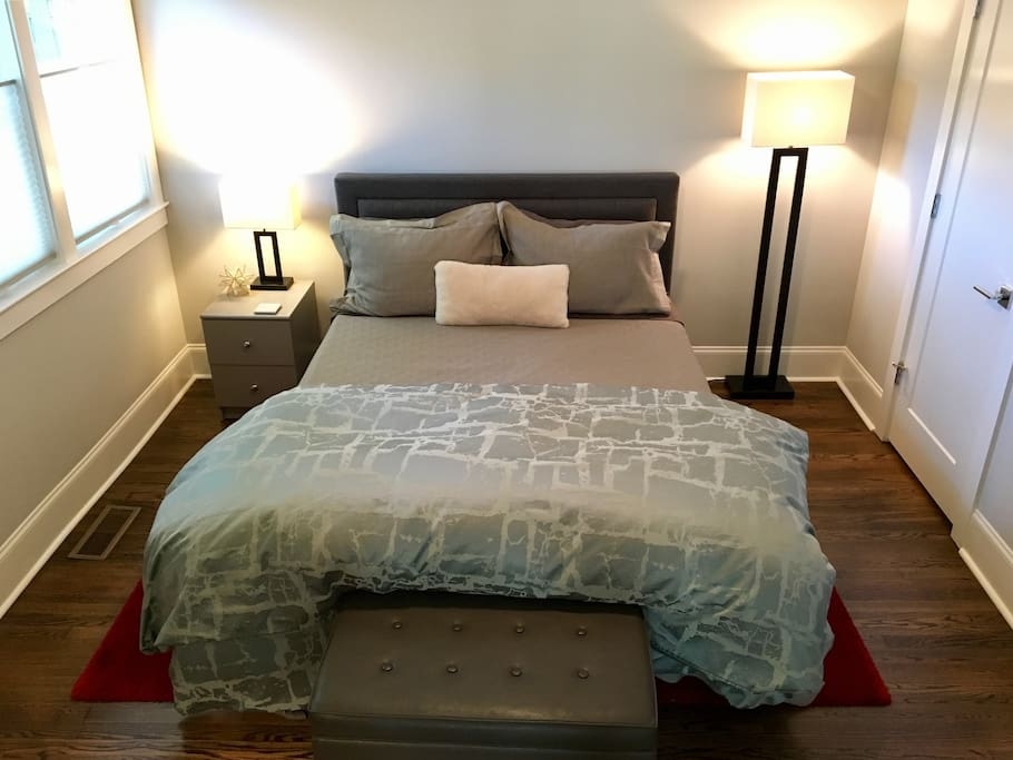 Queen size bed by Eve Sleep