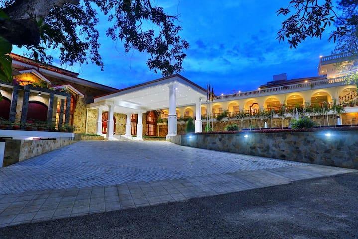 Centauria Lake Resort