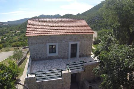 Apartman Dinko enjoy in nature - Kokorići - Casa