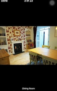 family home close to everything - Redruth - Haus