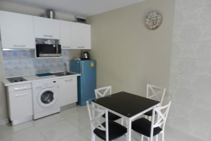 One-bedroom apartment + living room. Jomtien