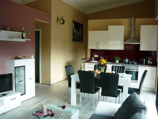 Ferienwohnung bis 6 Personen Neubau, Balkon, Sauna - Weiltingen