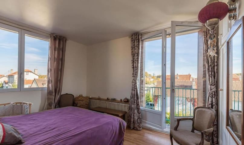 Grand et joli appartement entre Paris et Disney