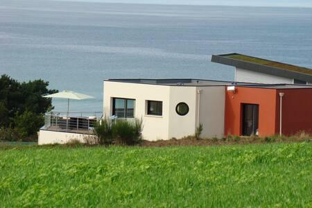 Villa contemporaine spacieuse vue plage Kervel