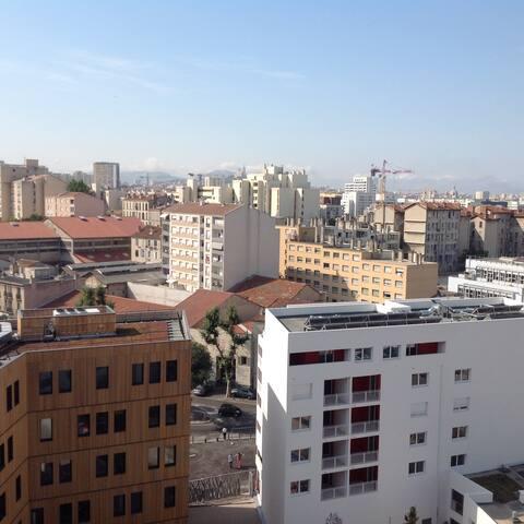 Euromed Center/ CMA-CGM/ T3+Parking - Marselha - Apartamento