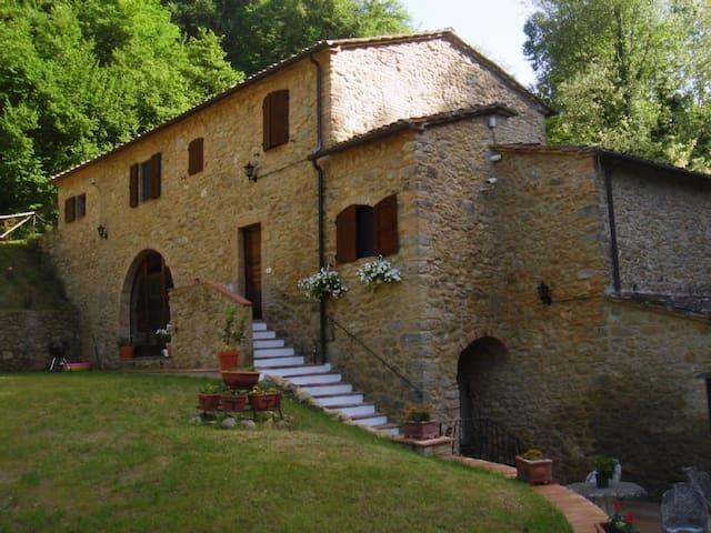 Restored Villa with Private Pool - Volterra - Huis