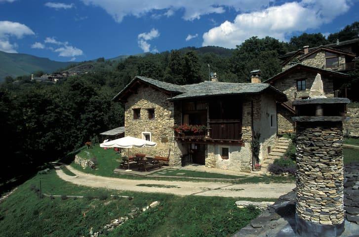 valle maira casa in montagna B&B camere e locanda - Stroppo