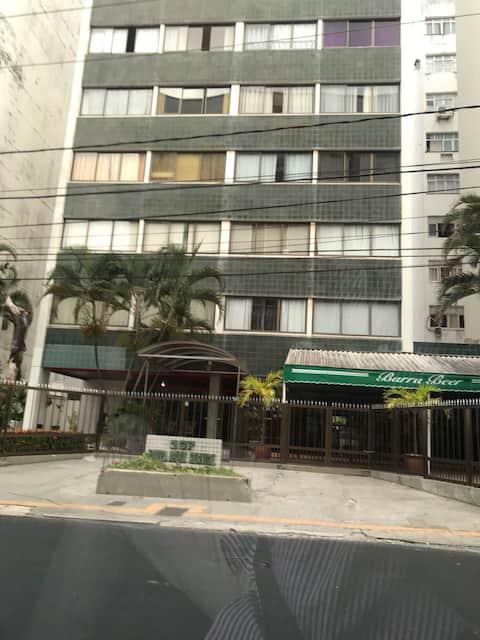 Quiet ApartService Condo Near Farol da Barra Beach
